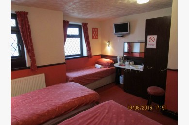 16 Bedroom Hotel Hotels Freehold For Sale - Image 12