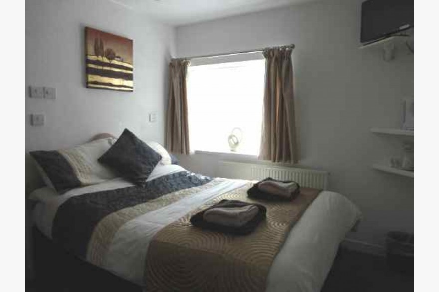 11 Bedroom Hotel Hotels Freehold For Sale - Image 4