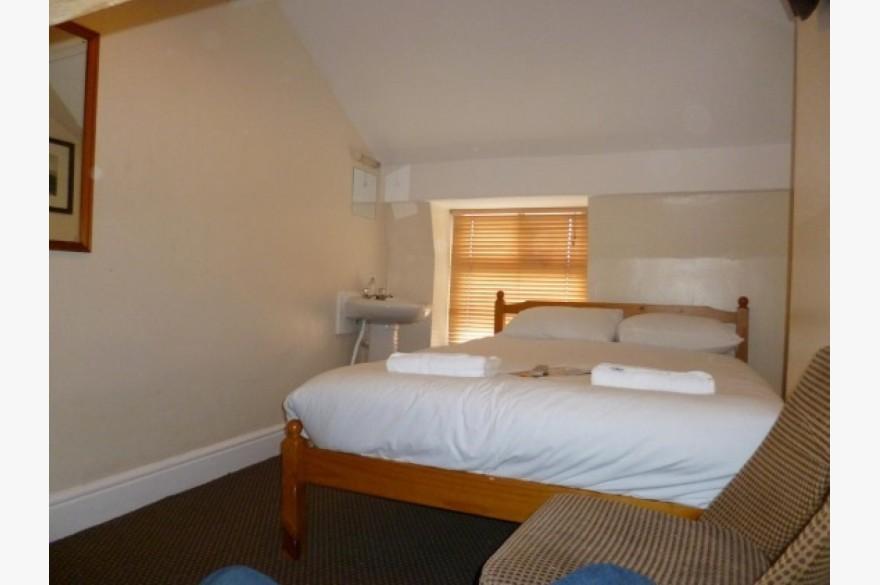 16 Bedroom Hotel Hotels Leasehold For Sale - Image 2