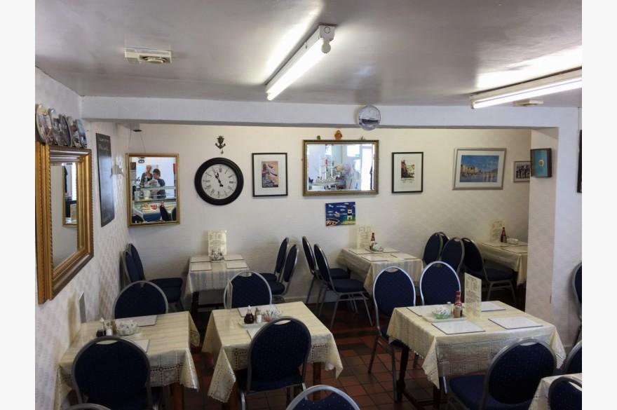 Café For Sale - Photograph 4
