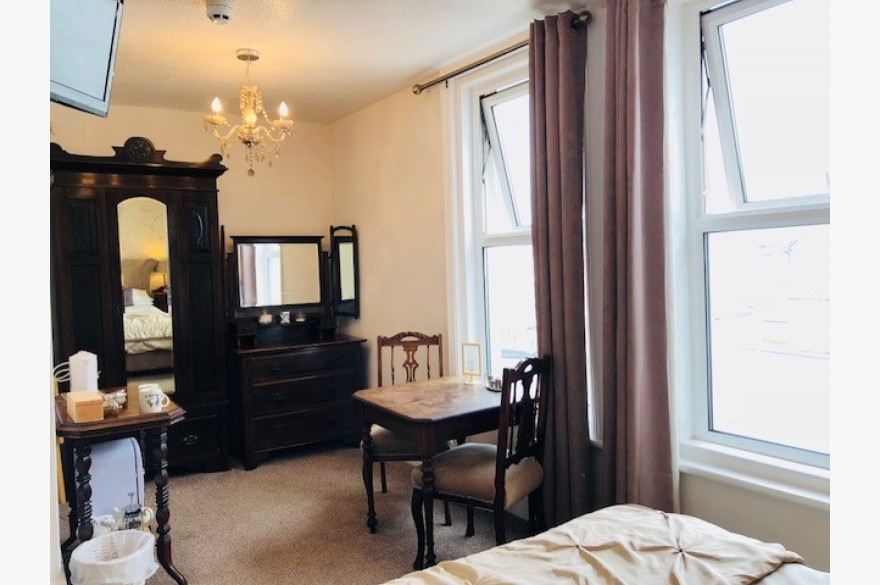 6 Bedroom Hotel Hotels Freehold For Sale - Image 9
