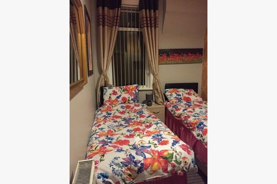 9 Bedroom Hotel For Sale - Photograph 9