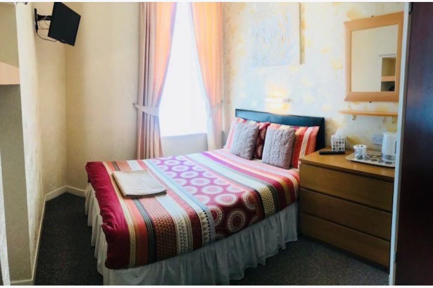 17 Bedroom Hotel Hotels Freehold For Sale - Image 5