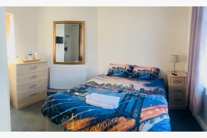 7 Bedroom Hotel For Sale - Photograph 4