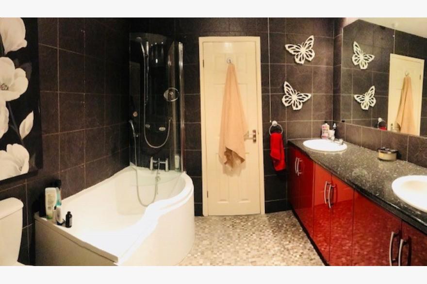 17 Bedroom Hotel Hotels Freehold For Sale - Image 11