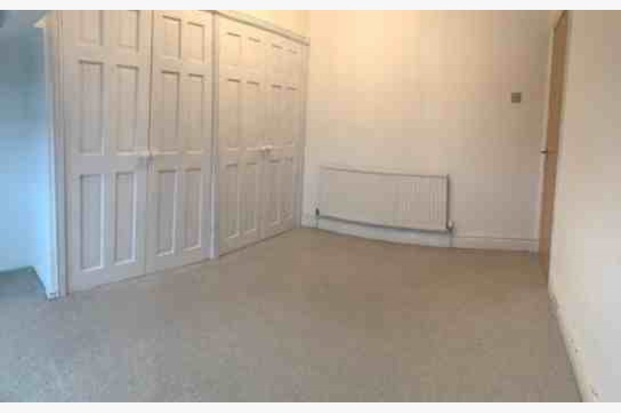 4 Bedroom Empty Unit & Flat Catering Freehold For Sale - Image 6