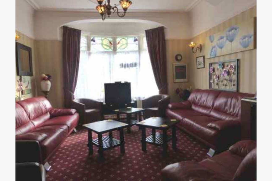 16 Bedroom Hotel For Sale - Photograph 4