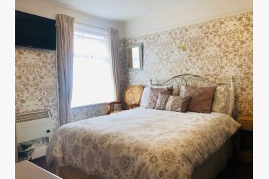 10 Bedroom Hotel For Sale - Photograph 2