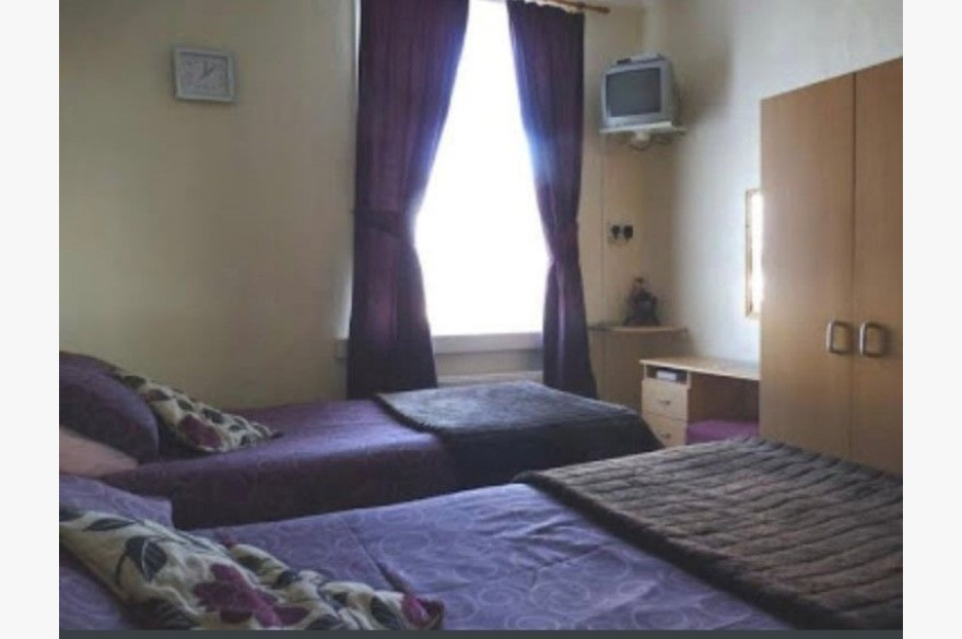 8 Bedroom Hotel For Sale - Photograph 7