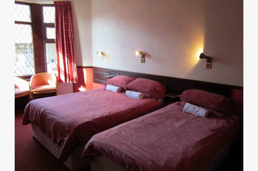 16 Bedroom Hotel Hotels Freehold For Sale - Image 9