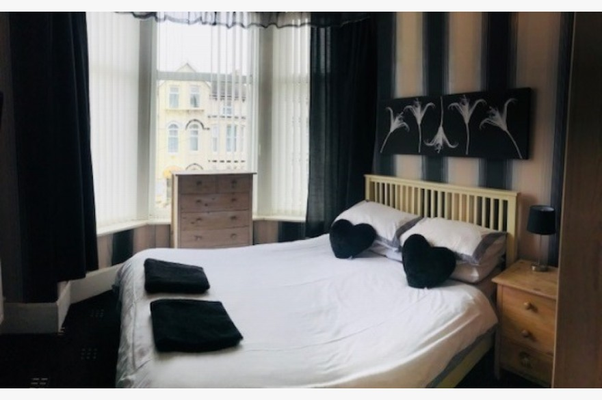 16 Bedroom Hotel For Sale - Image 7