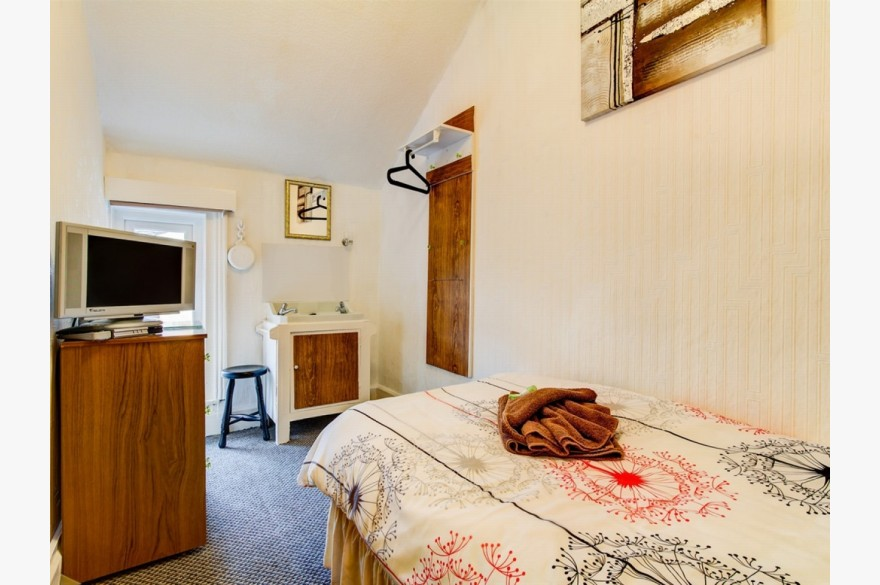 10 Bedroom Hotel Hotels Freehold For Sale - Image 11
