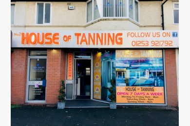 Hairdressers/tanning/beauty Retail Leasehold For Sale - Image 1