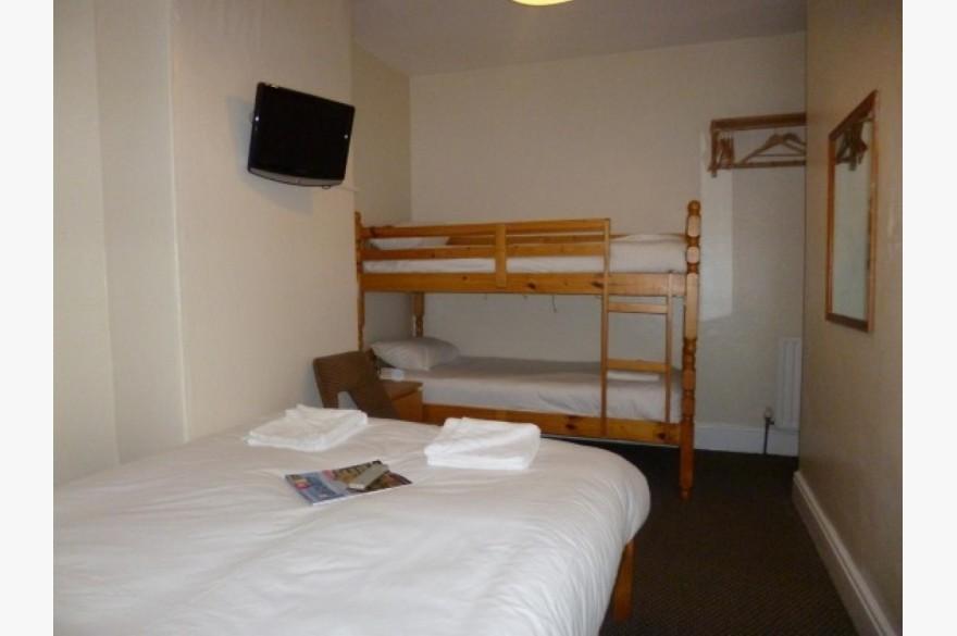 16 Bedroom Hotel Hotels Leasehold For Sale - Image 3